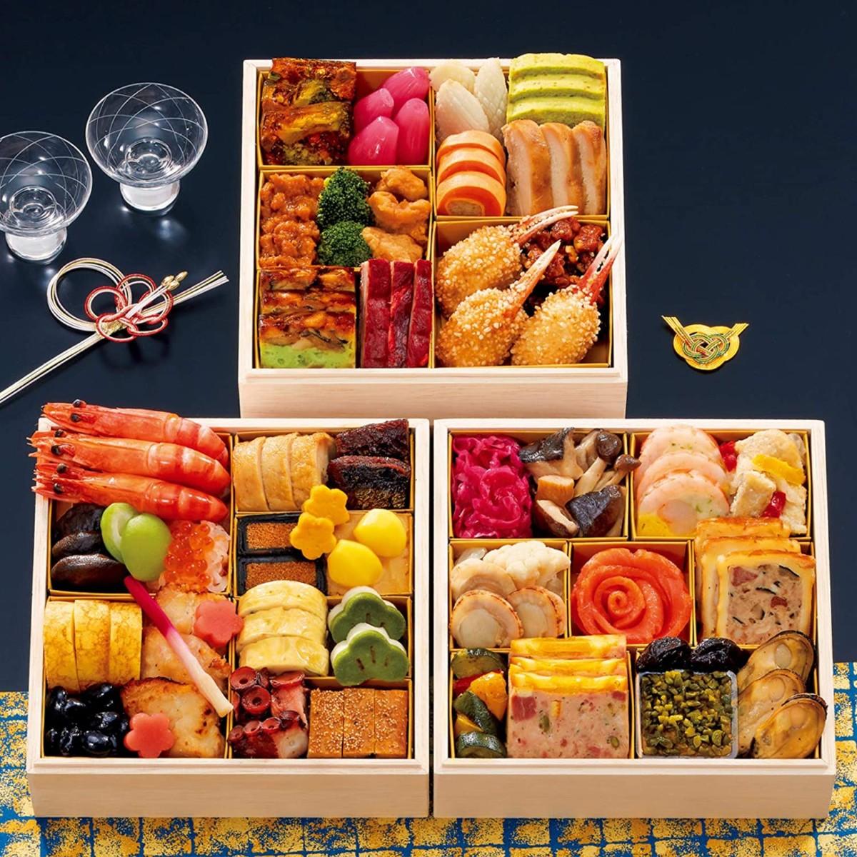ホテル ハイアット リージェンシー 東京 監修 おせち料理 2021 香寿 三段重 全43品 盛り付け済み 冷凍おせち 3人前~4人前 お届け日:12月30日